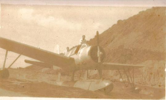 Remy de Hanen visits Saba on his hydroplane to evaluate the site