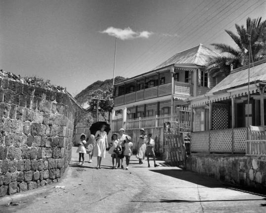 Statia - Old photo of Oranjestad 1940's