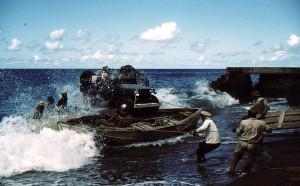 028 - Saba-1956-58 - Antillia - Unloading a Jeep-05