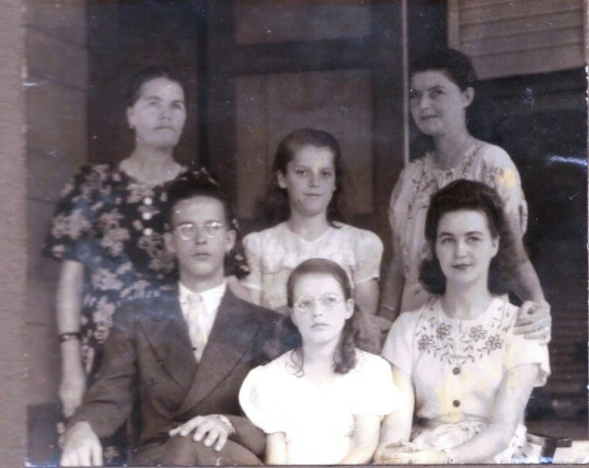 Agnes Johnson-Zagers with her family.