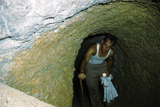 136 - Saba-1956-58 - Sulphur mine - Police officer Kooistra-02