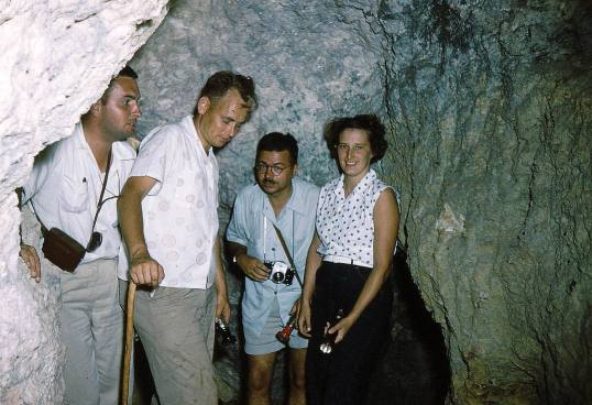 137 - Saba-1956-58 - Sulphur mine - fltr Doctor Ferwerda-Police officer Kooistra-Unknown-AM Van Scheepen